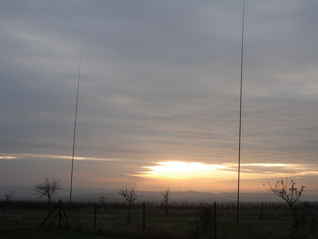 DR4A 2 El. Vertical Array 80m